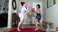 TOMIKO VS ANDREA ROSU FEMALE BOXING